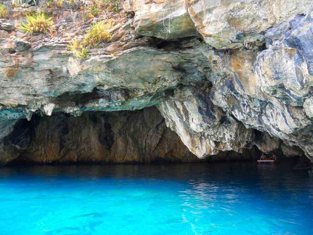 Isola di Dino - Grotta del leone